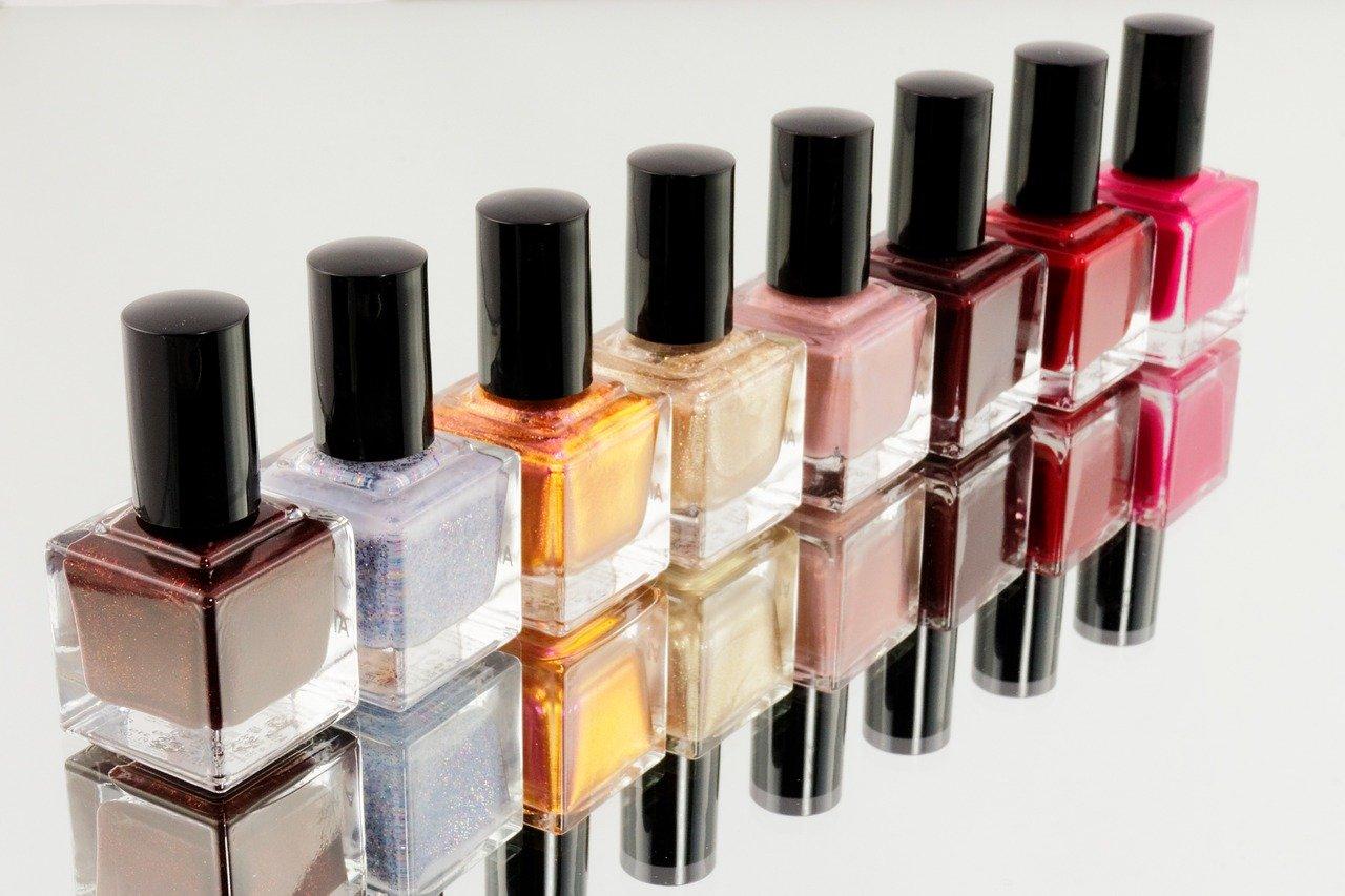 manicure-870857_1280