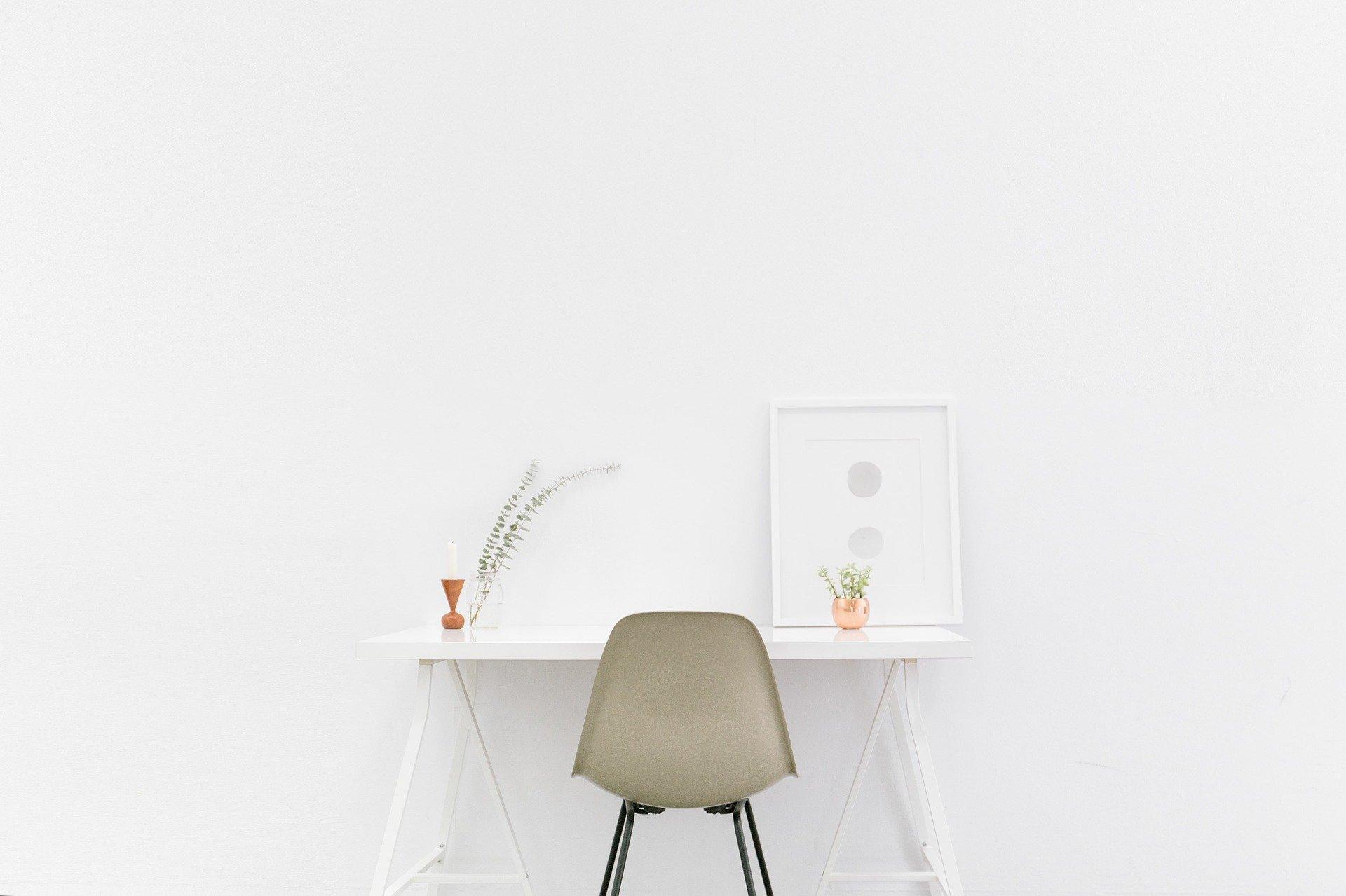 desk-1081708_1920-1
